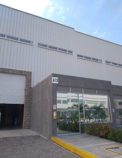 Nuestra bodega A13, sede administrativa de los productores, y de plata procesadora